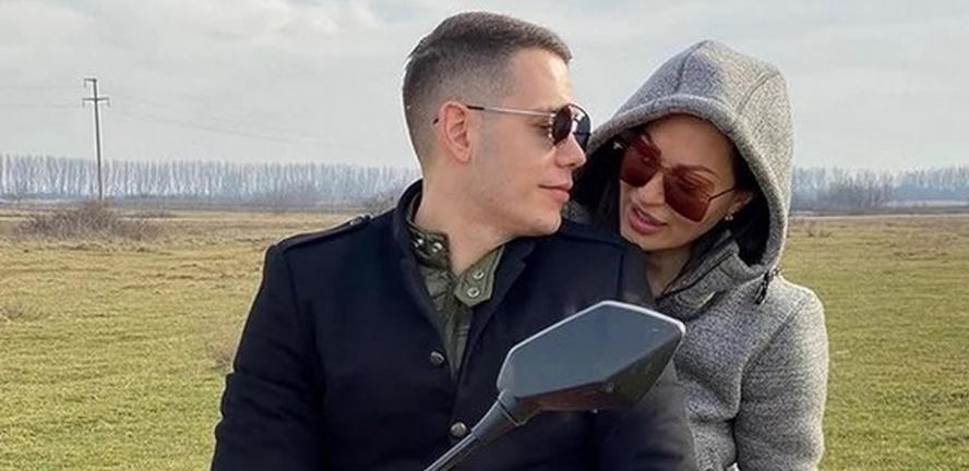 LJUBAV NA SEOSKI NAČIN Ceca i Bogdan pobegli na romantični vikend, a  uživaće u drvenoj kućici (VIDEO) - Alo.rs