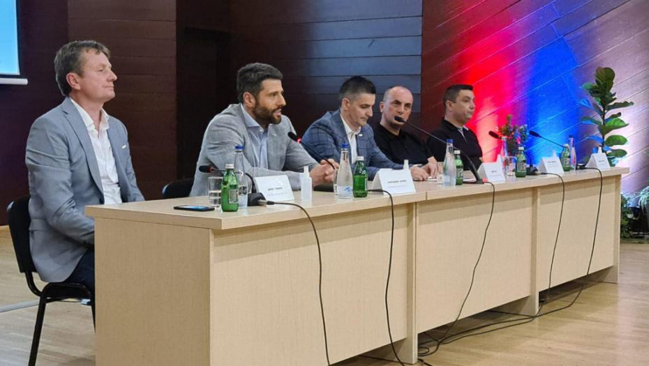 ŠAPIĆ ŽESTOKO ODGOVORIO PODGORICI! To što su uradili ne smemo da mešamo sa crnogorskim narodom, vlasti dolaze i prolaze!