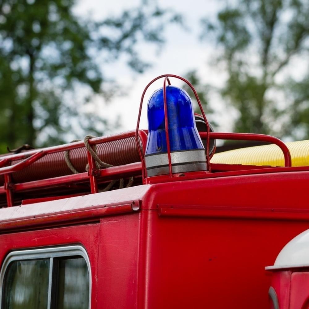 Novosadjanin-se-zaglavio-u-kontejneru-spasli-ga-vatrogasci