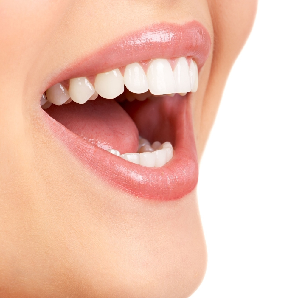 Izbelite-zube-za-samo-dva-minuta-sastojke-vec-imate-kod-kuce