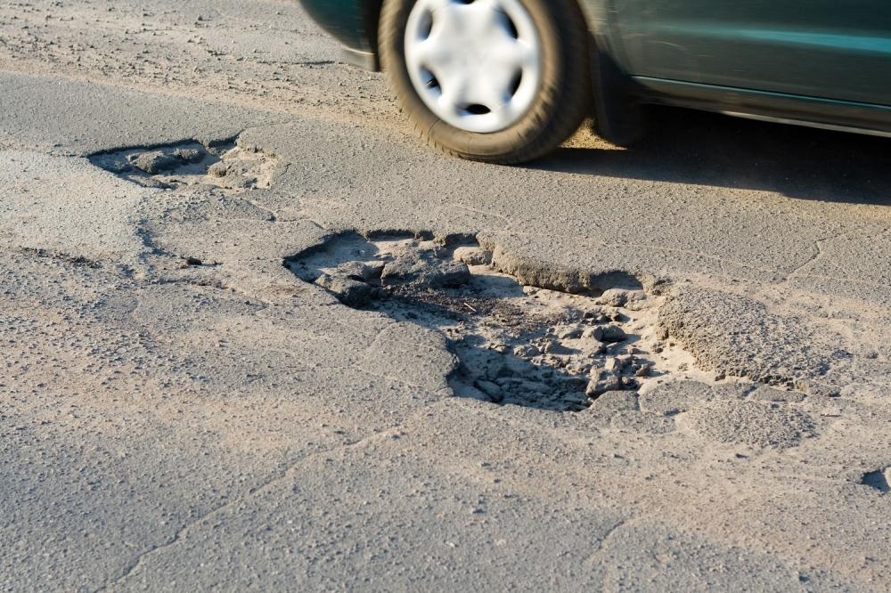 Резултат слика за posledice rupa na putu