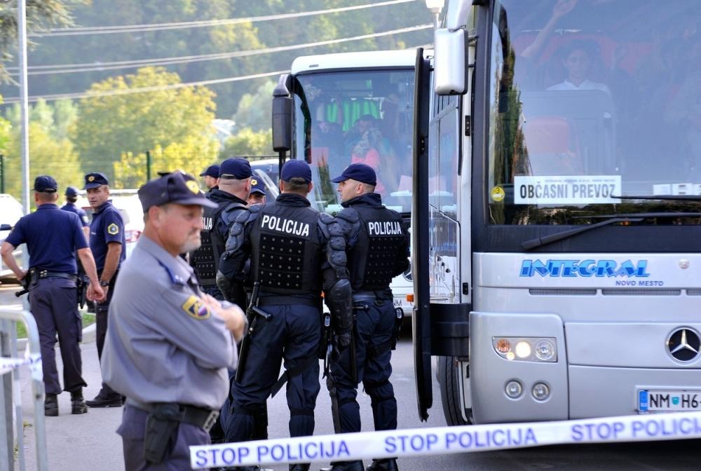 """Résultat de recherche d'images pour """"slovenački policajci"""""""