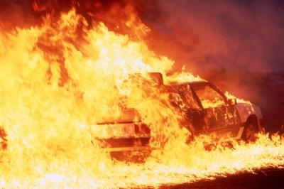 Zapaljen automobil, požar