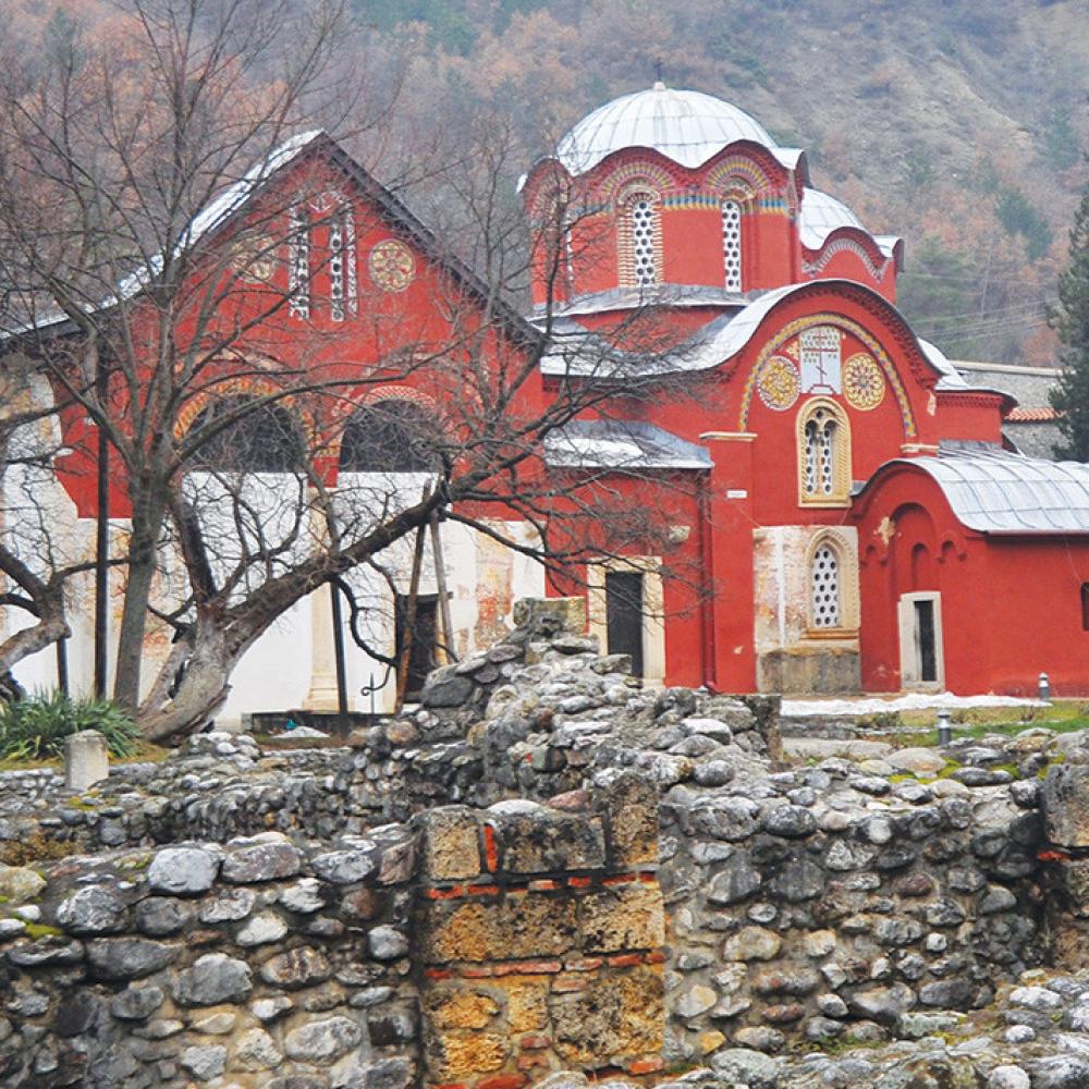 Makedonci-i-Albanci-otimaju-srpske-manastire