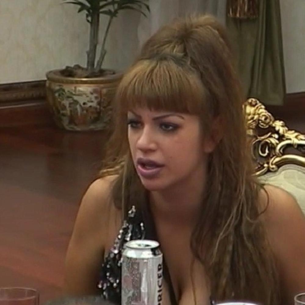 Miljana-priznala-kako-je-izgubila-nevinost-sa-13-godina