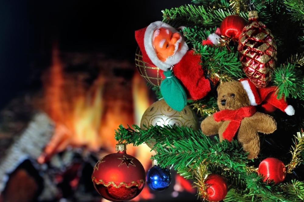 jelka Nova godina praznici ukrasi