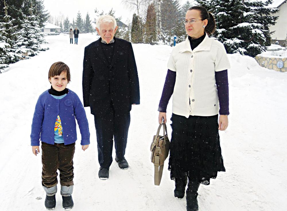 Jedini prijatelji  mama Evica  i deda Adem