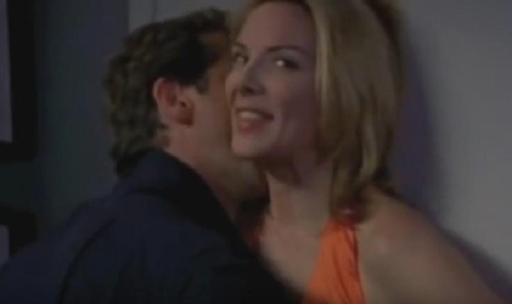 Seksi lezbijska scena seksa