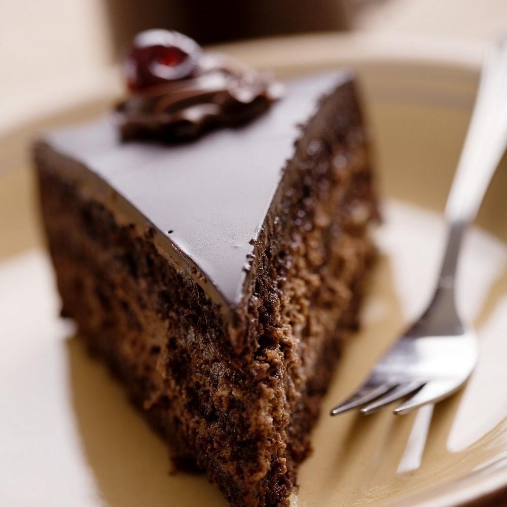 Napravite-Rigojanci-tortu-sa-debelim-filom-cokolade