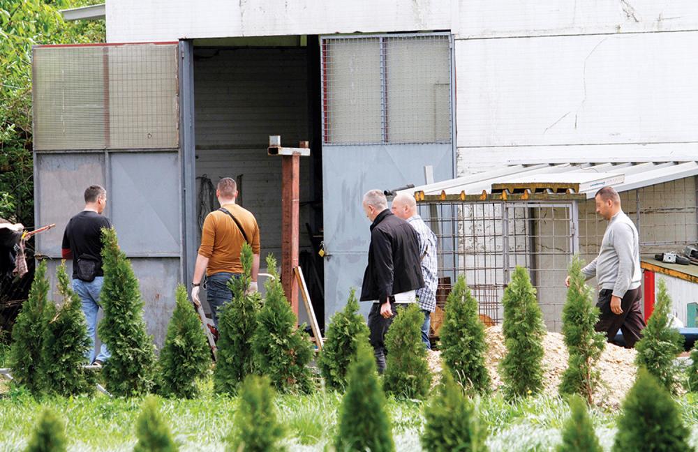 Policija je pregledala i radionicu Jahovića       hronika     borča     dokazi     policija     ubistvo     istraga