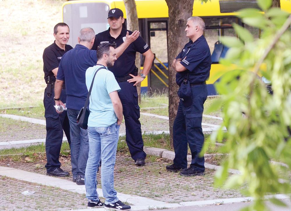 Komunalci daju izjavu inspektorima