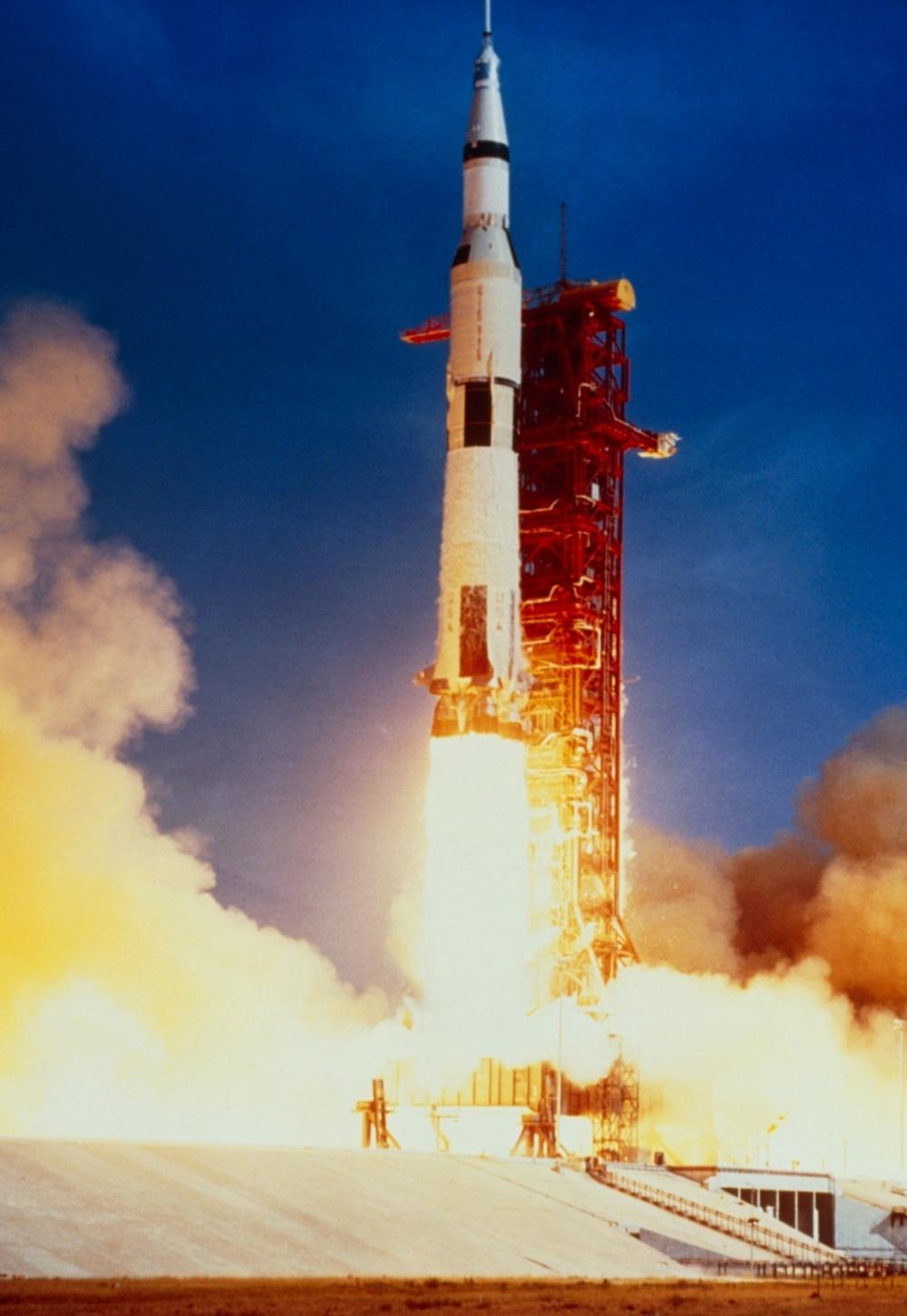 apollo 11 launch - HD1000×1451