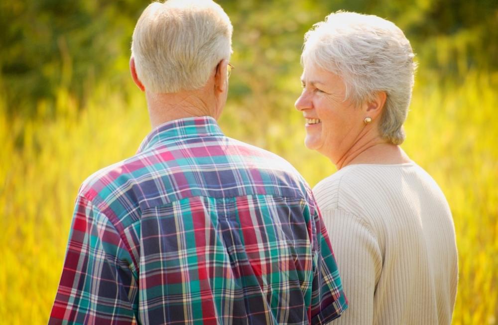 starci baba i deda par penzioneri
