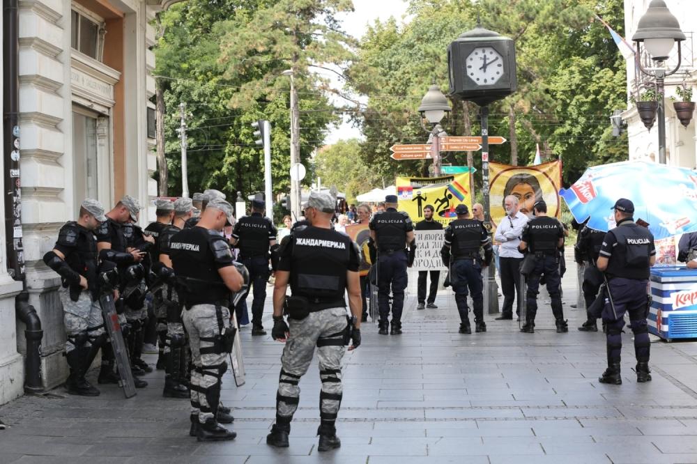 Protest Popovi Htjeli Da Sprije E Prajd Foto Volim