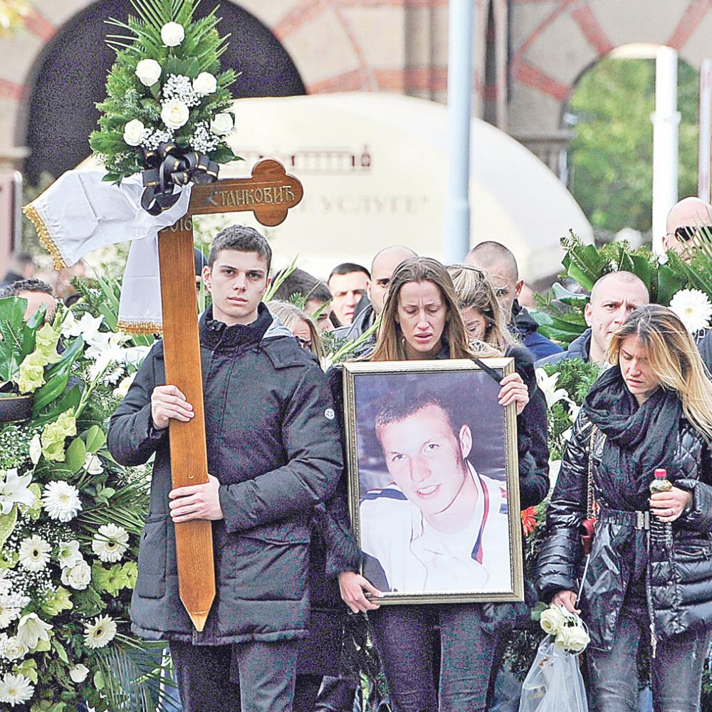 Policija-jurila-ubicu-mutavog-na-sahrani