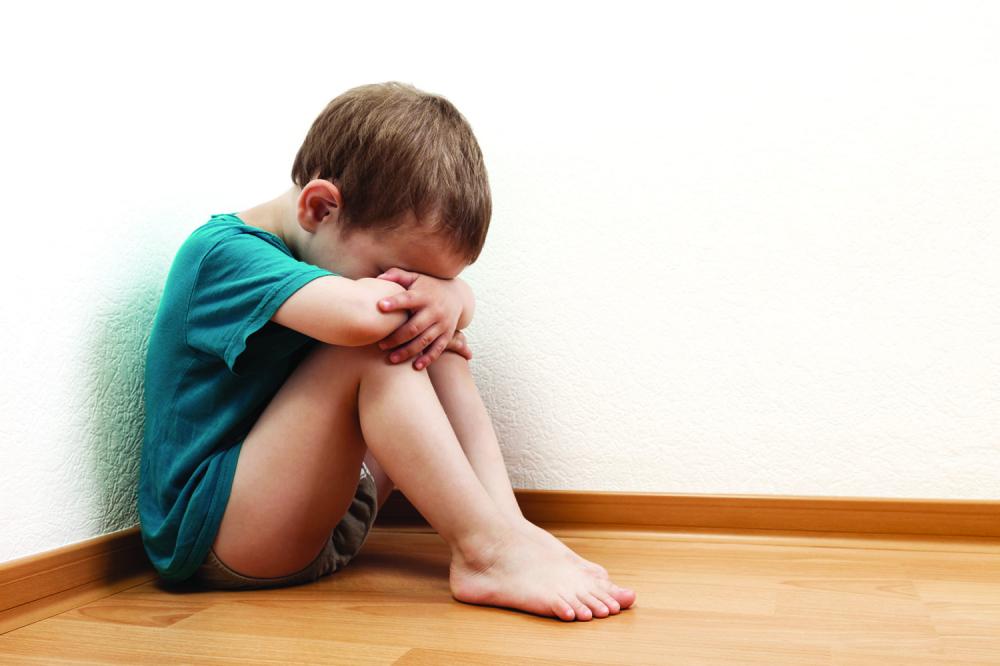 У Србији увести проверу људи који су у контакту с децом
