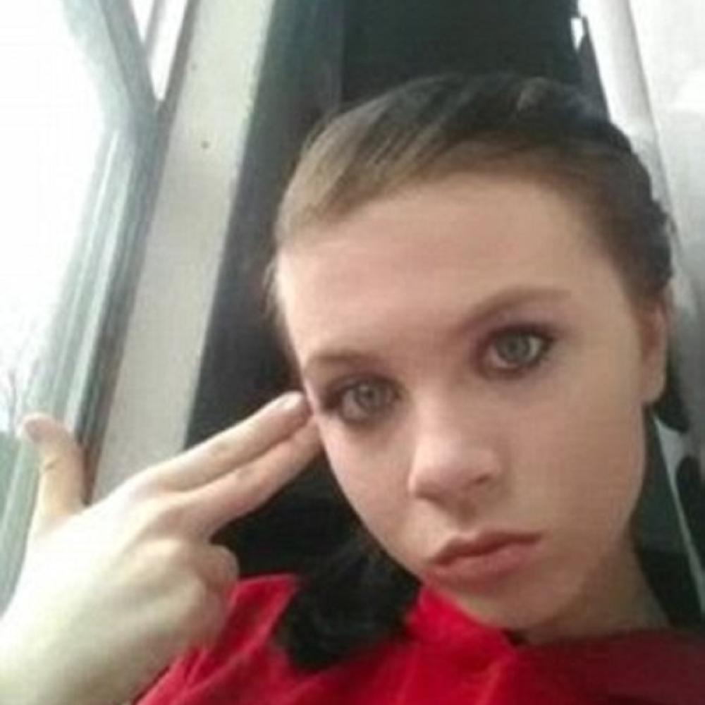 Tinejdzerka-prenosila-samoubistvo-na-Fejsbuku