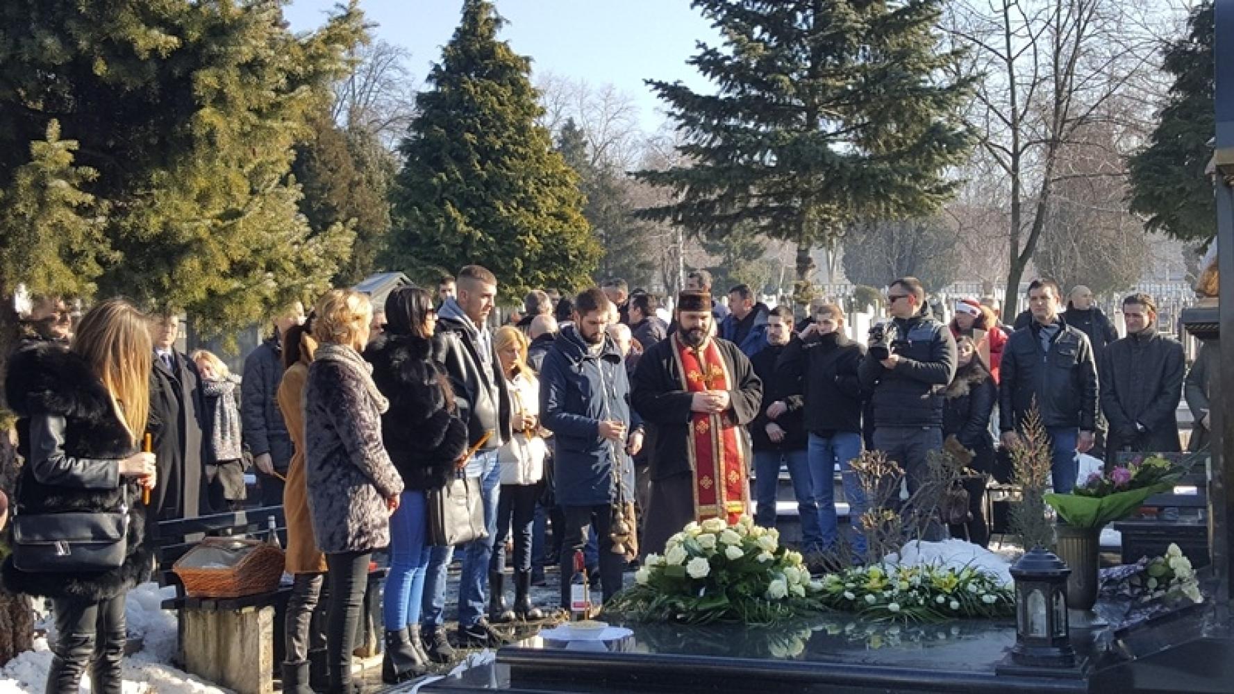Obeleženo 17 godina od Arkanove smrti (FOTO + VIDEO) - alo.rs
