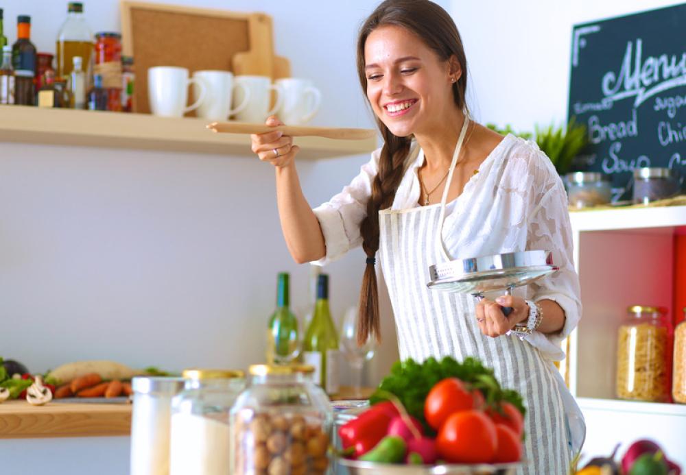 Hrana, kuvarica, rucak, obrok, devojka