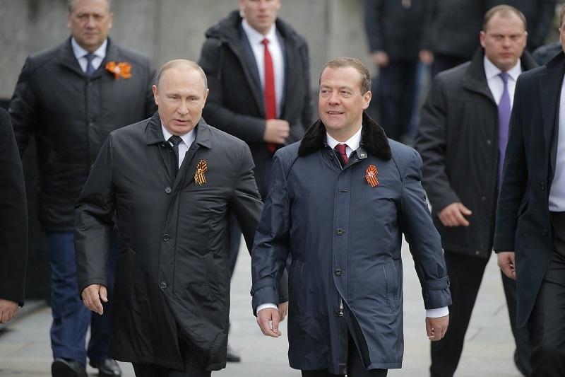 Medvedev je u opasnosti! Snajperisti postavljeni po krovovima, 5.000 policajaca na ulici, ruski specijalci rasporeðeni!
