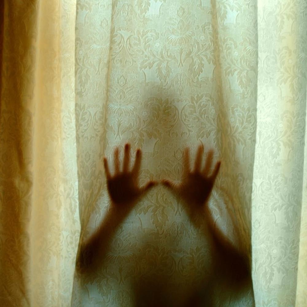 Prestravljena-zena-pronasla-fotografiju-u-svom-telefonu-pa-PREBLEDELA-OD-STRAHA