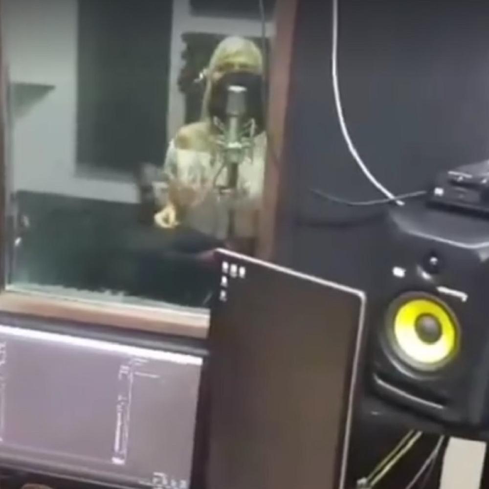 Voditeljka-quotParovaquot-odlazi-u-pevacice-VIDEO