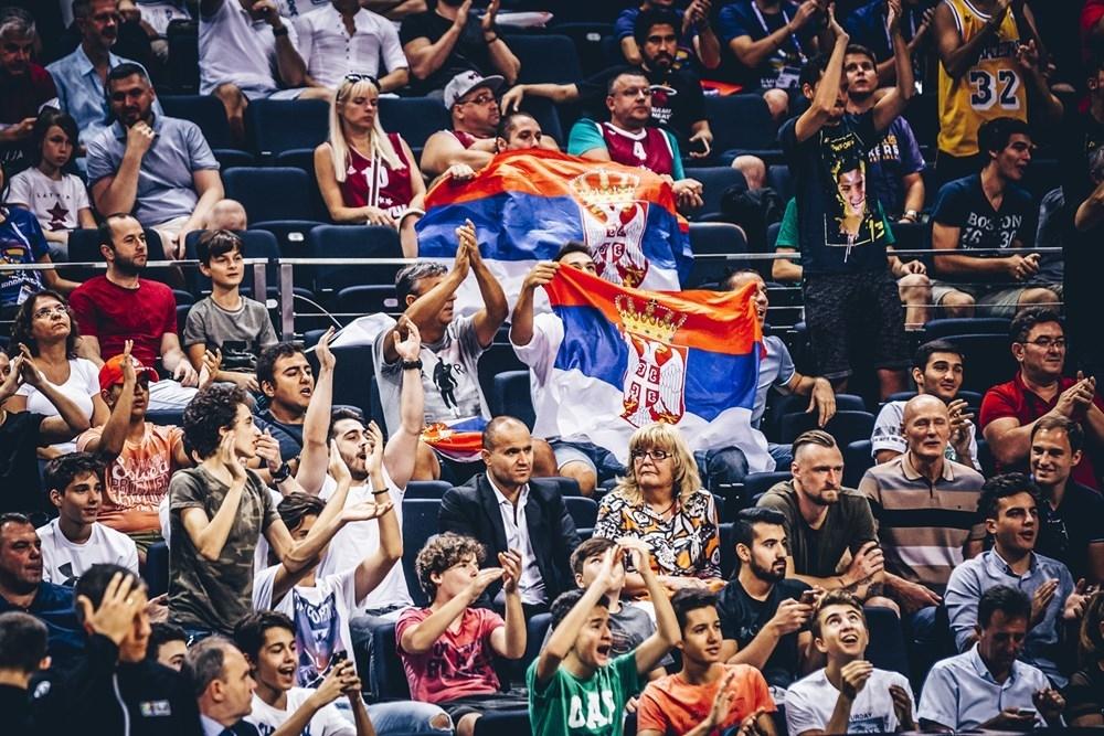 Navijači Srbije u Istanbulu