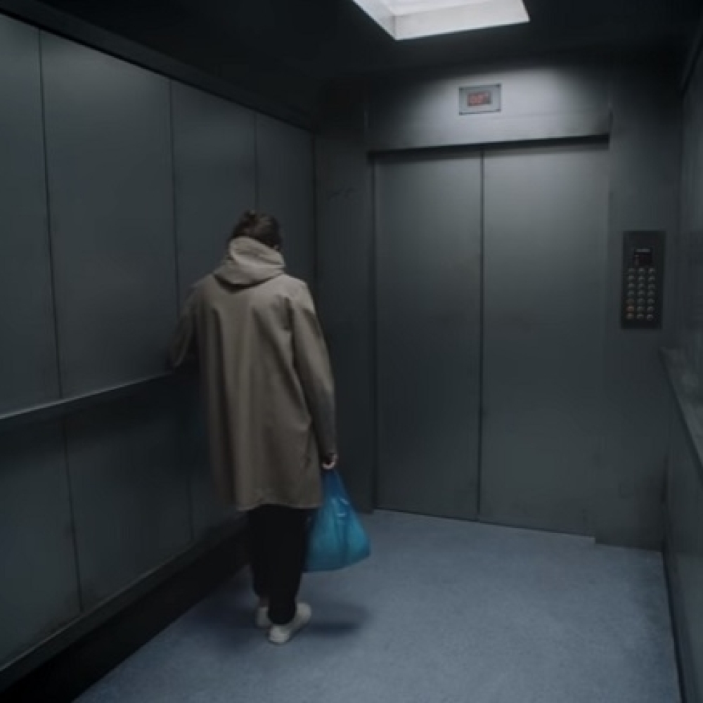Pevac-benda-quotRadioheadquot-zaglavljen-u-liftu-VIDEO