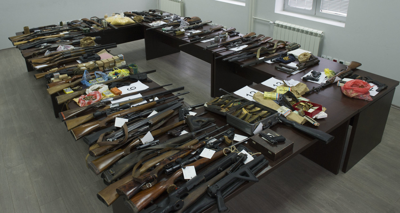 Duplo manje para! Novi zakon donosi znatne olakšice za sve one koji imaju više od jednog pištolja!