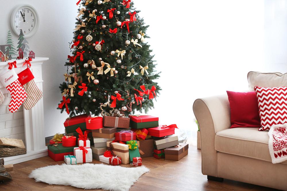 nova godina, jelka, božić, dekoracija, ukrasi, pokloni