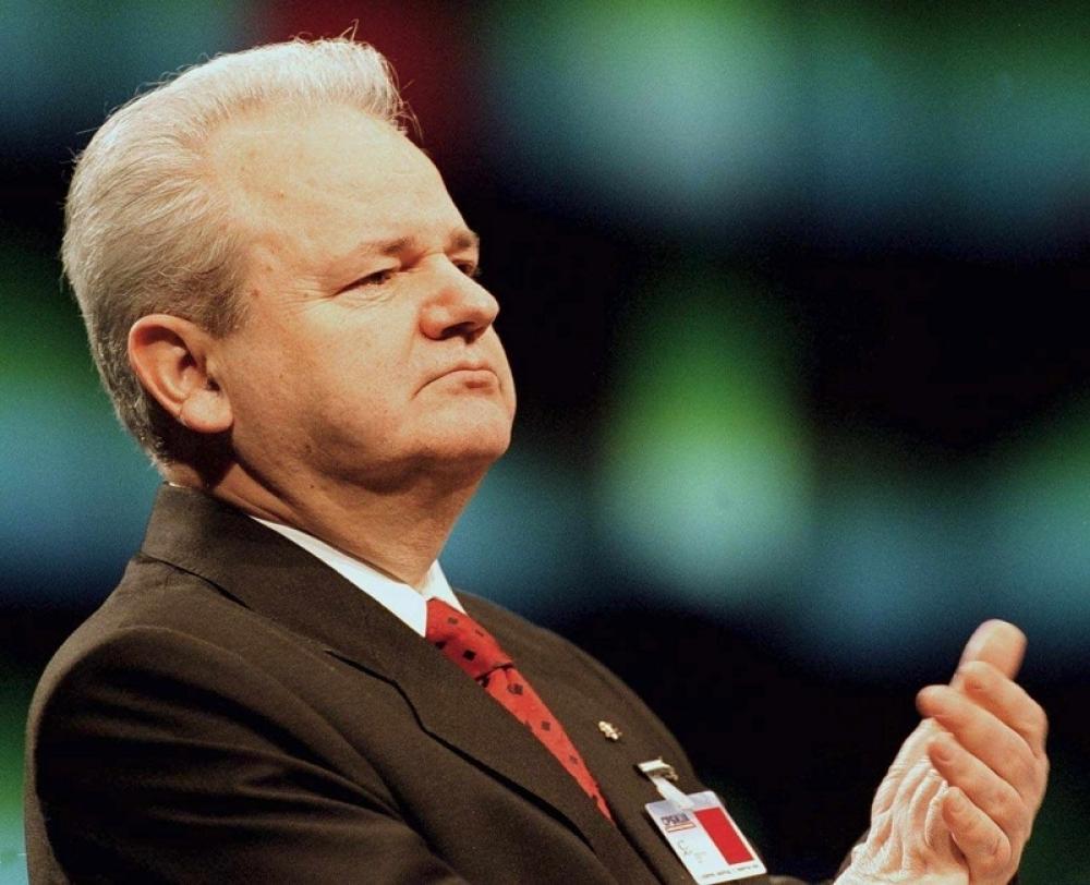 Prebacuje krivicu na pokojnika:Slobodan Milošević