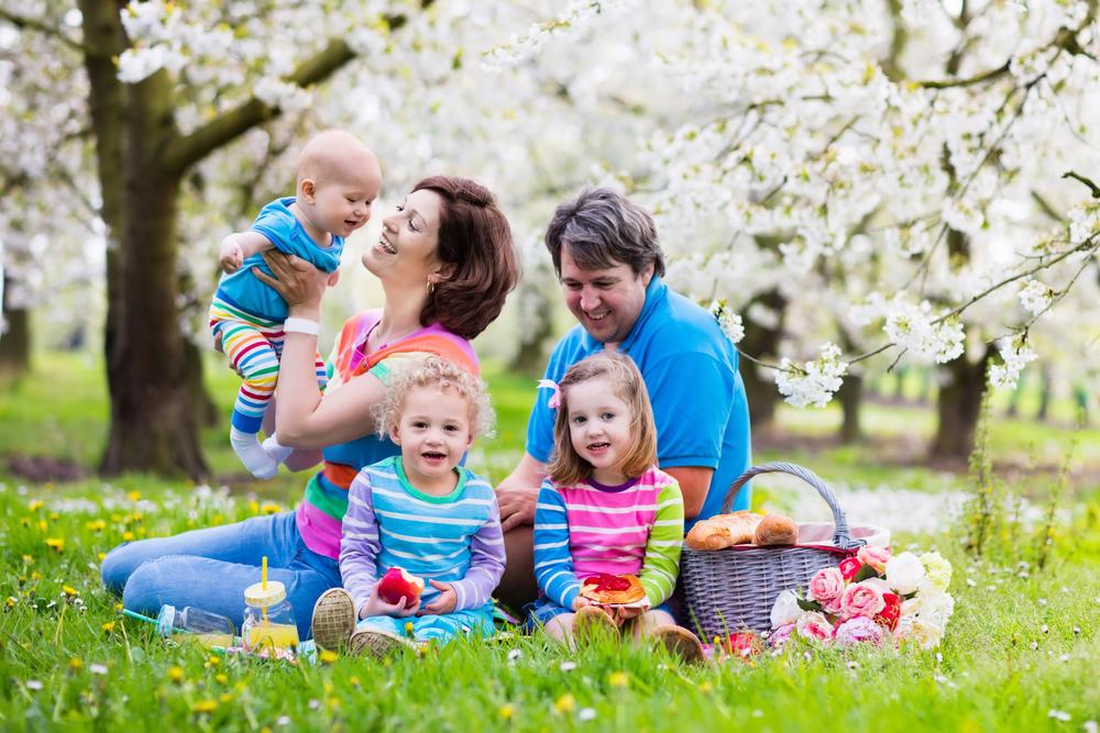 Deca, porodica sa troje dece