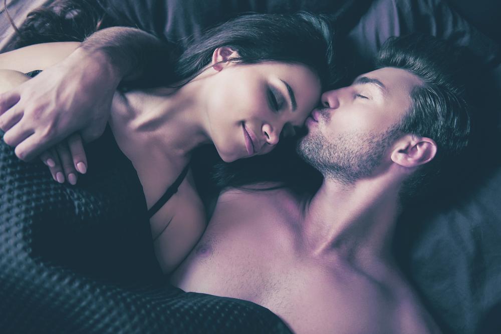 Seks zavođenje vođenje ljubavi krevet ljubav