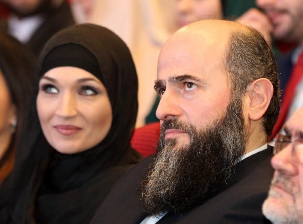 Elma Elfić Zukorlić, druga supruga Muamera Zukorlića: Moj muftija mi je  posebna inspiracija! – Sandzacke.rs