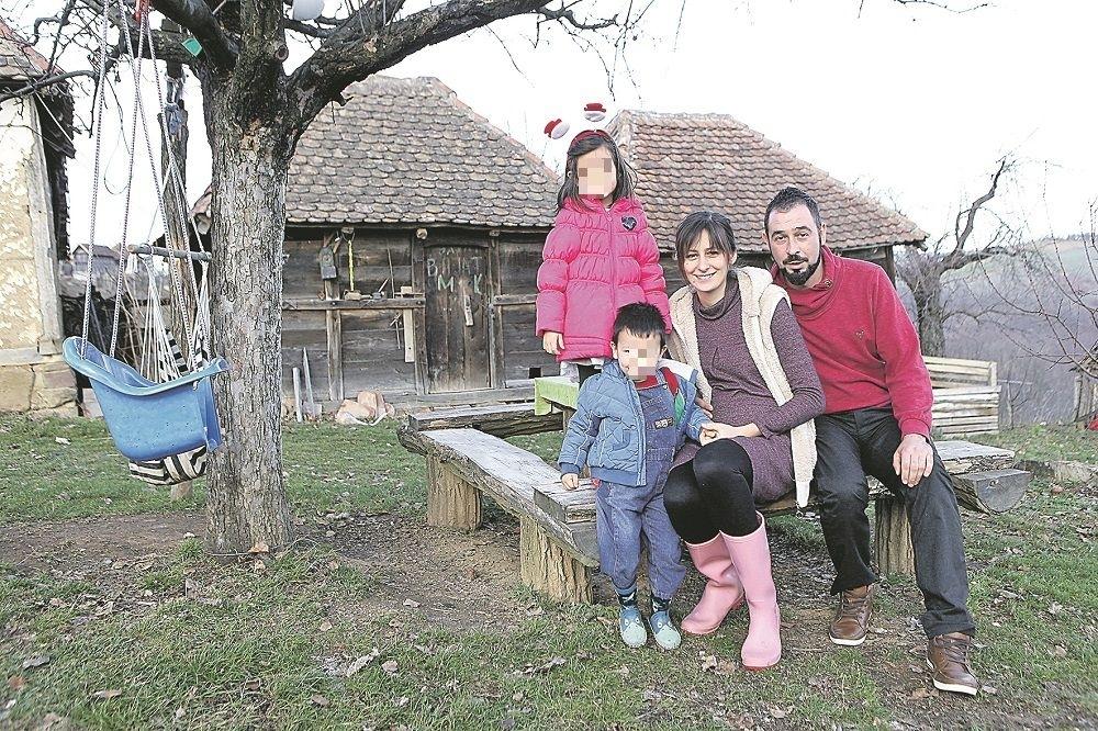 Ivan i Dragana Kojić sa decom