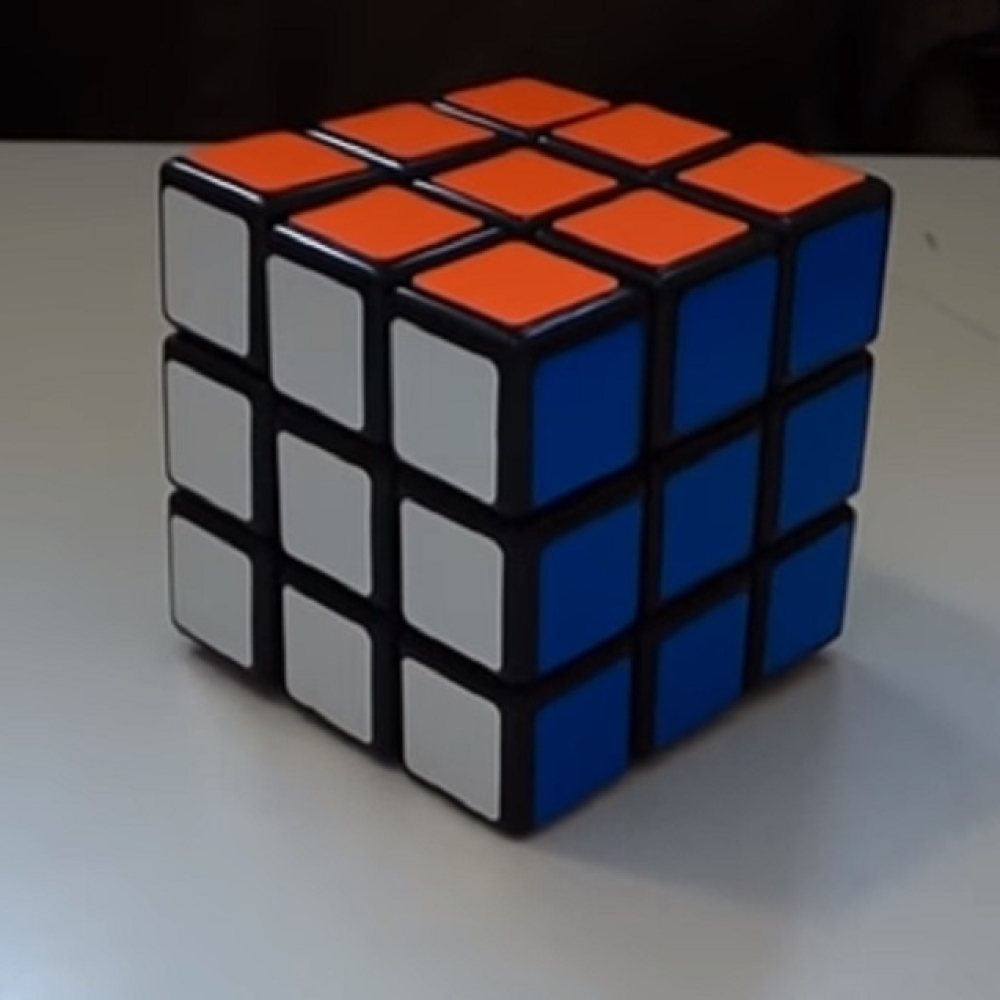 Robot-je-uspeo-da-slozi-Rubikovu-kocku-za-manje-od-pola-sekunde