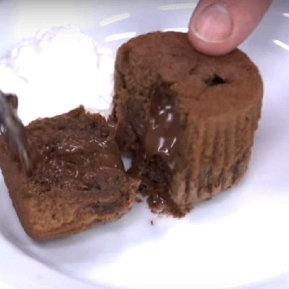 Napravite-cokoladni-lava-kolac