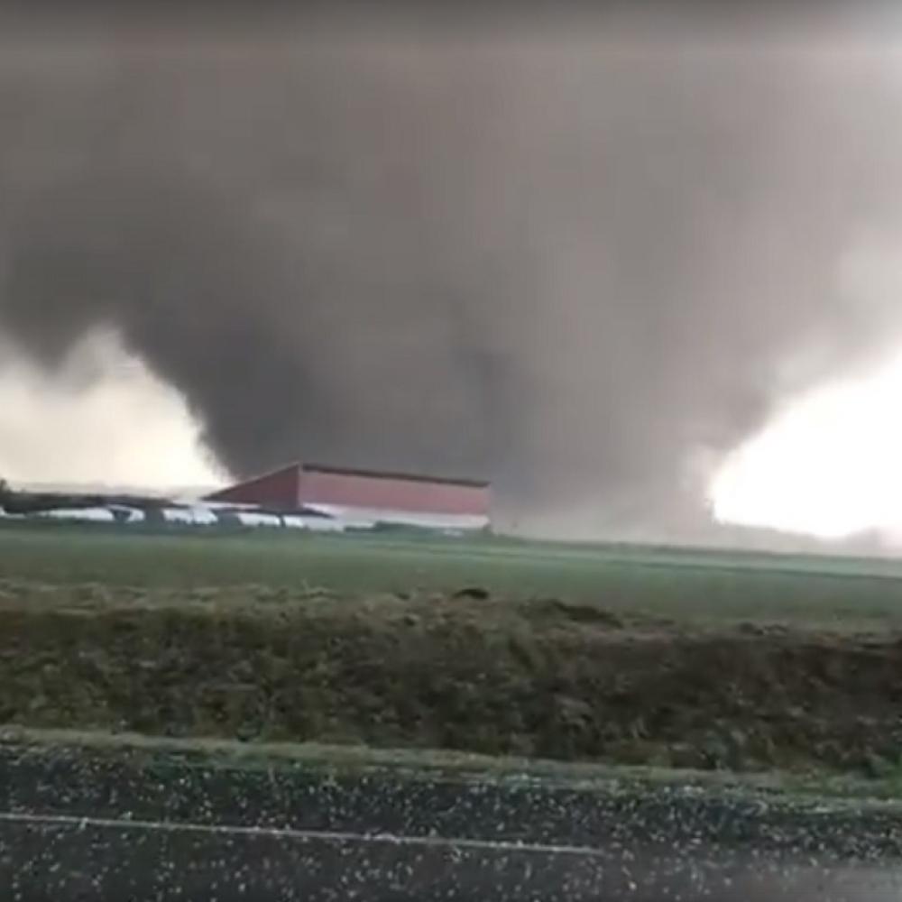 Zastrasujuc-tornado-pogodio-Nemacku-VIDEO