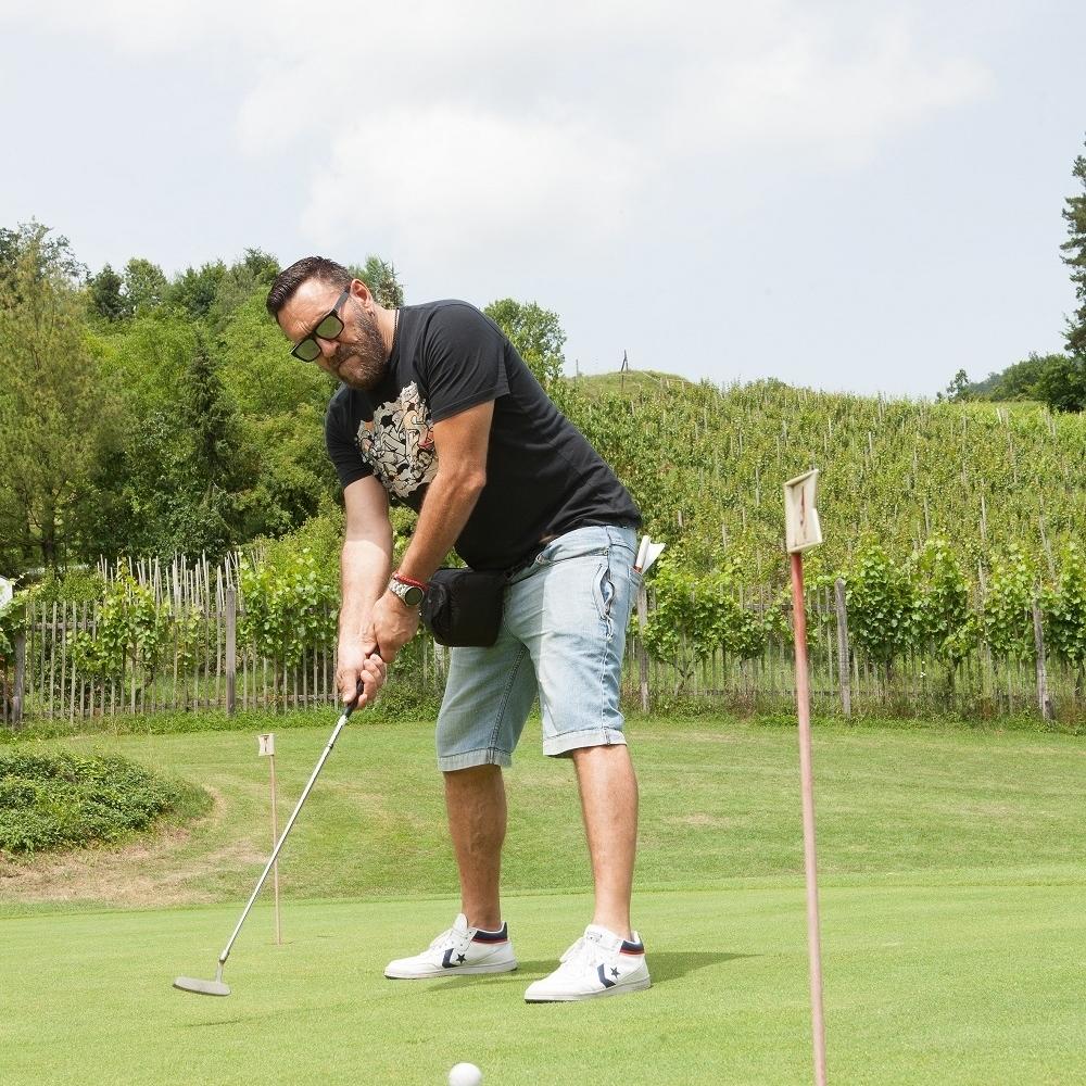 Niggor-pobedio-Adrianu-u-golfu
