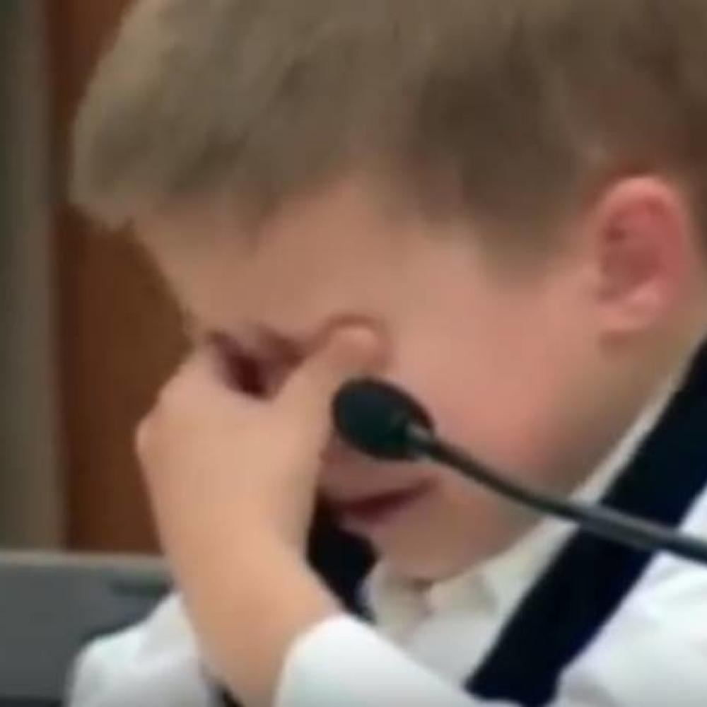Dečak je nacrtao crtež. Nakon toga, odmah je uhapšena njegova majka i  osuđena je na DOŽIVOTNU ROBIJU (VIDEO) - alo.rs