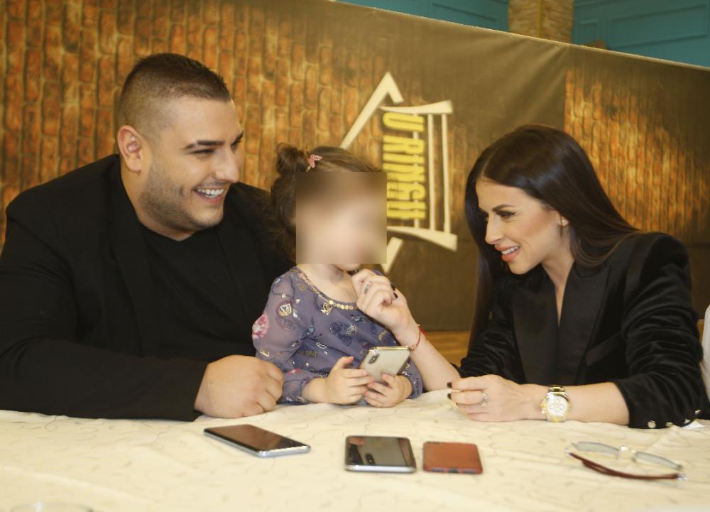 Darko Lazić sa suprugom i ćerkom