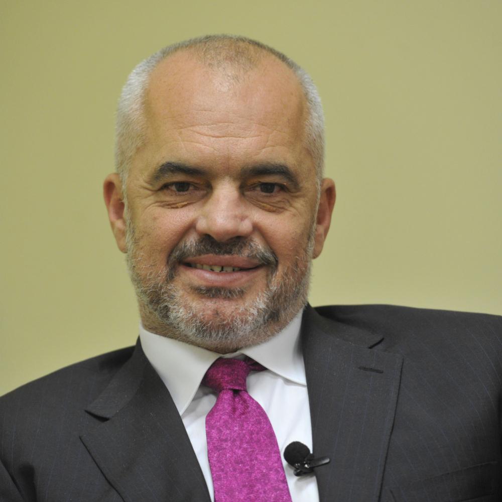 RAMA PRAVI MONOPOL ZA SEBE I BRATA Zašto je premijer Albanije naprasno zatvorio kladionice? Rama pravi monopol za sebe i brata