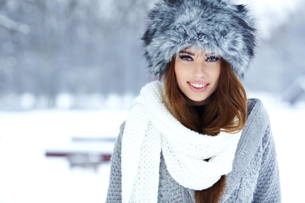 devojka, sneg, osmeh, sreća, srećna, zima