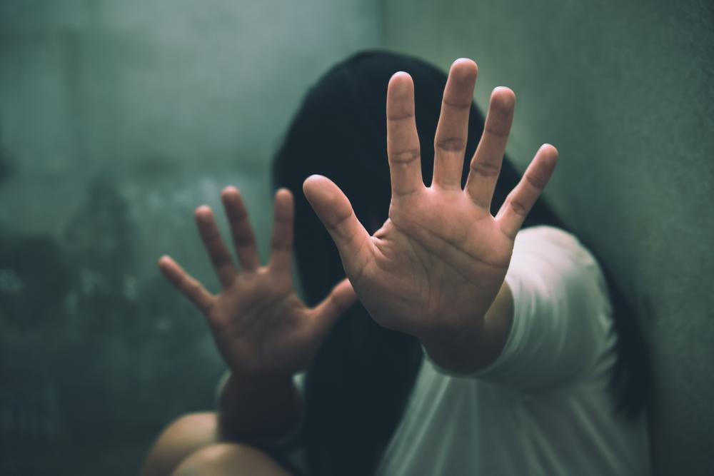 Nasilje, batine, silovanje, mučenje,