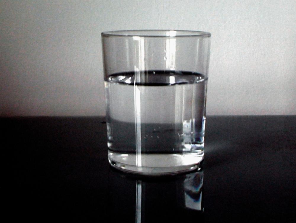 Čaša, voda