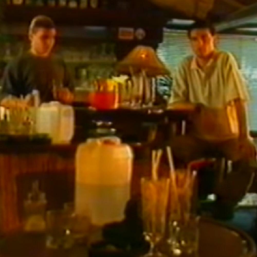 Mira Marković je volela našeg poznatog glumca! 2000. godine cela zemlja ga  je gledala na TV-u i smejala se! (FOTO) - alo.rs
