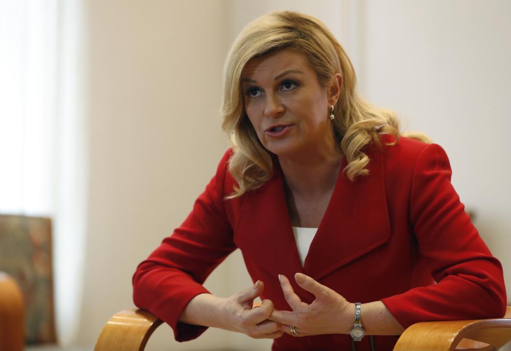 EU javnost aplaudira Hrvatskoj: Srbi guraju migrante u EU a hr policija to hrabro sprječava Ivan%20duke03_1000x0