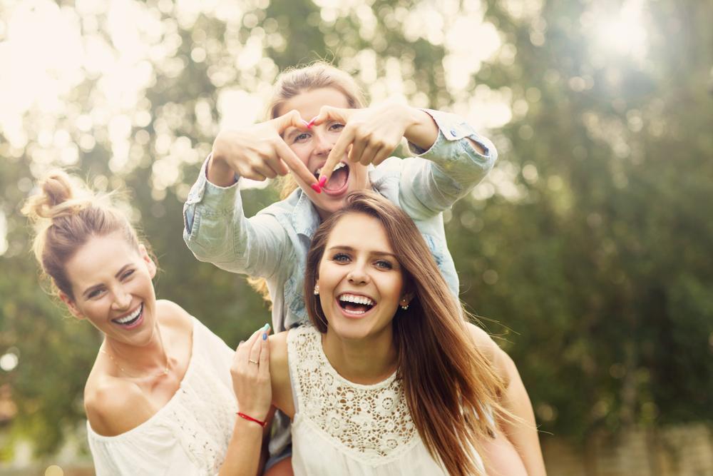 drugarice, prijateljice, devojke, sreća, srećne