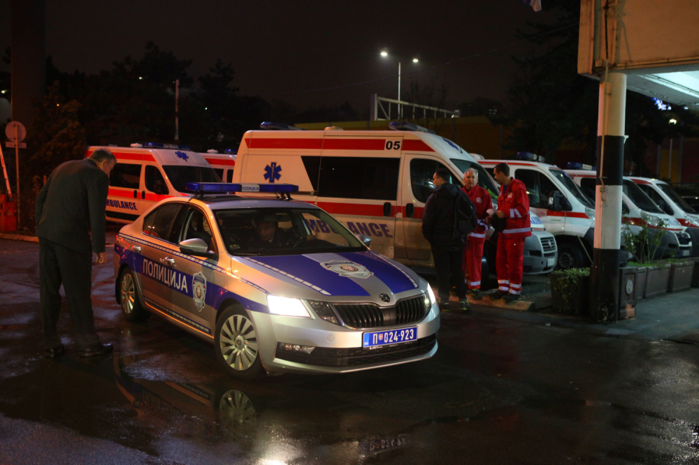 U Vrataru se prevrnuo traktor, nastradali muž i žena, ćerka povređena