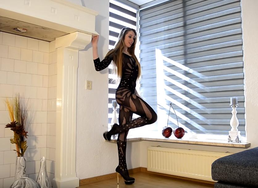 Nekadašnja šampionka sveta sada dominira na porno sajtovima! (VIDEO)